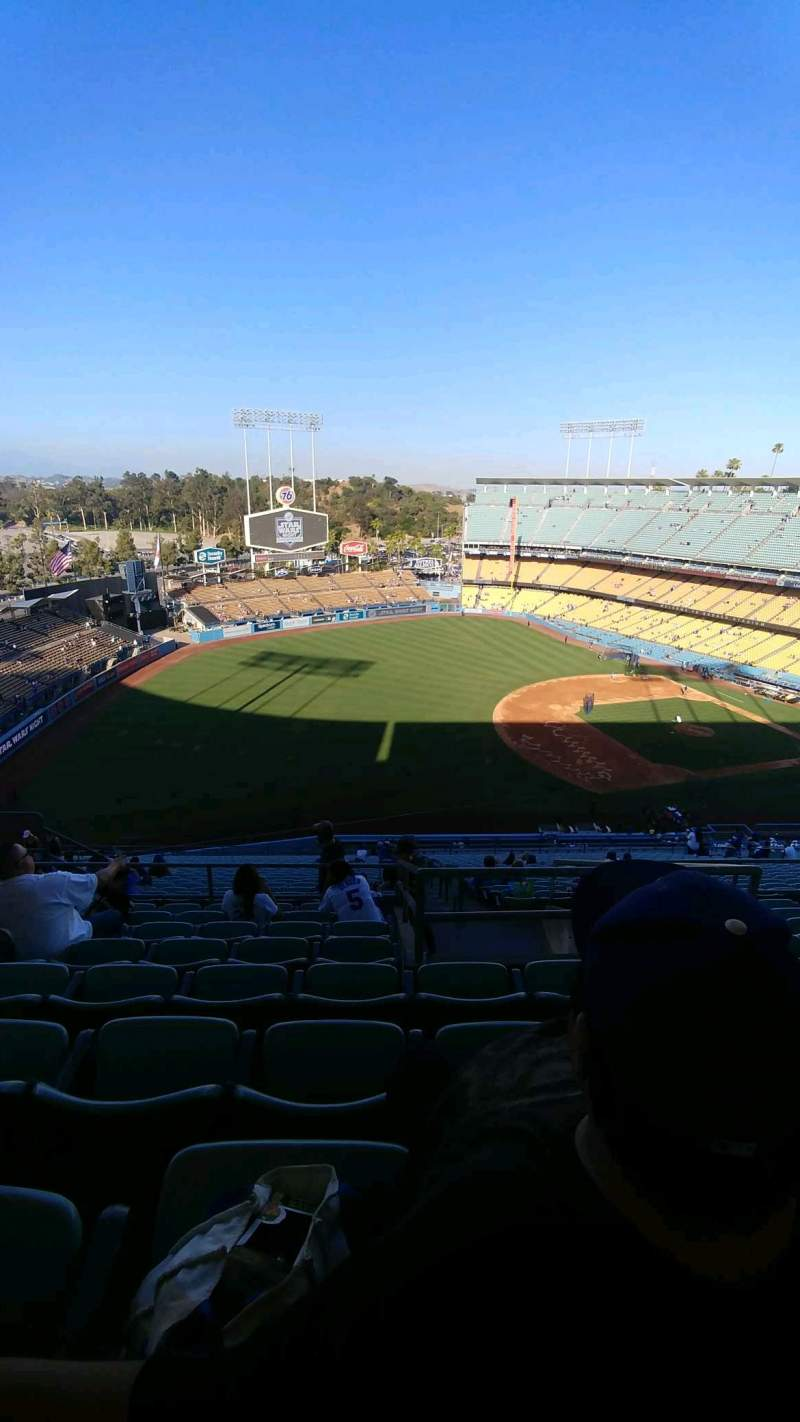Seating view for Dodger Stadium Section 33RS Row hh Seat 15