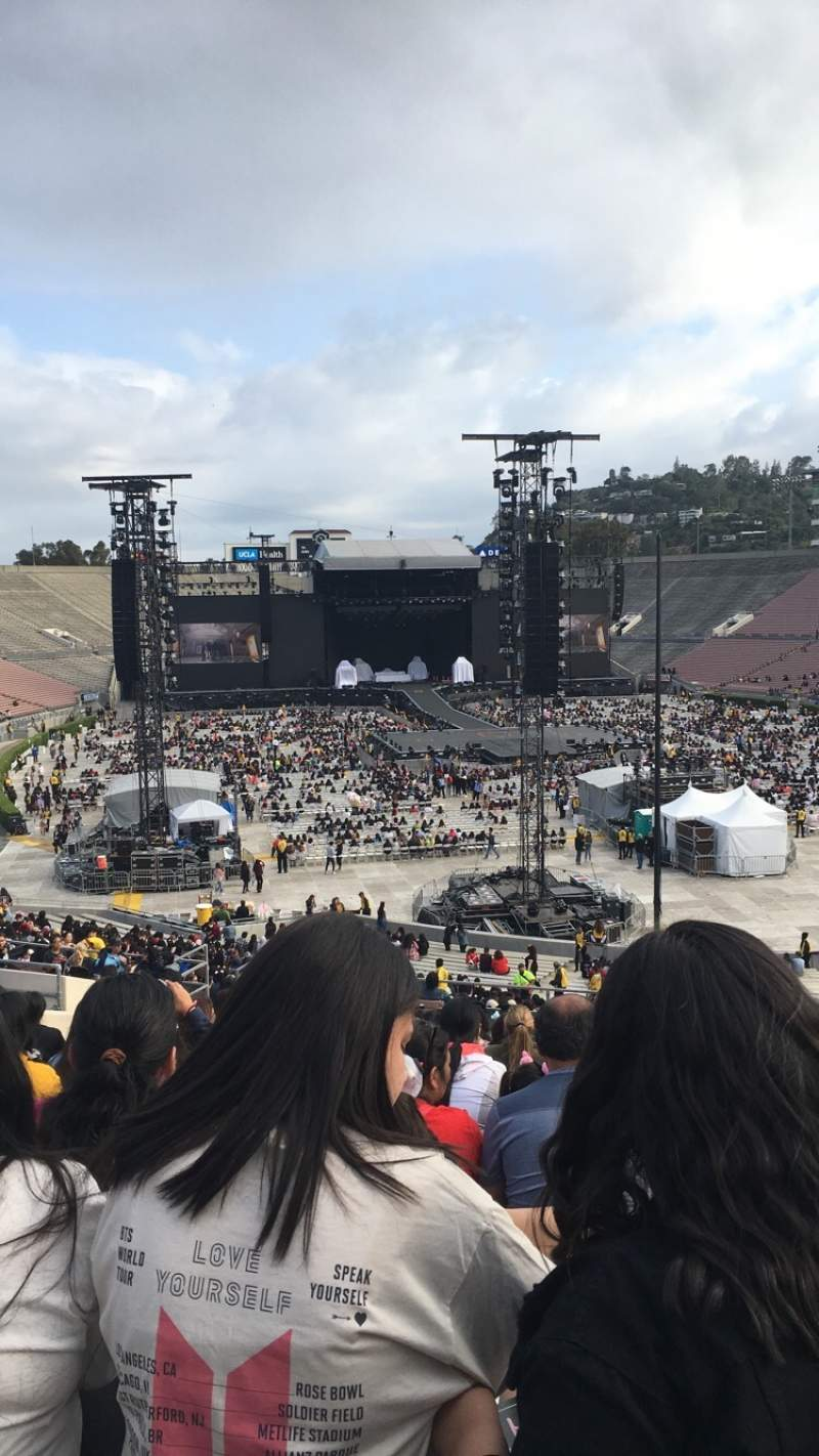 Seating view for Rose Bowl Section 10-H Row 54 Seat 122 and 123