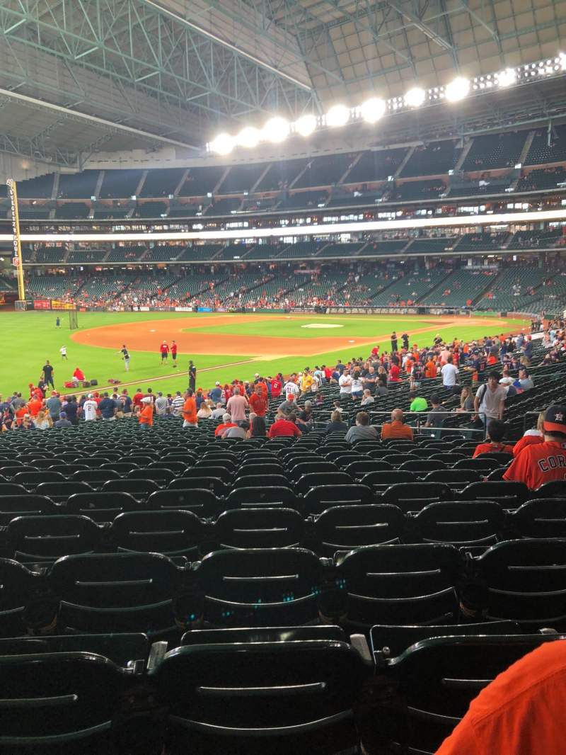 Seating view for Minute Maid Park Section 107 Row 32 Seat 16