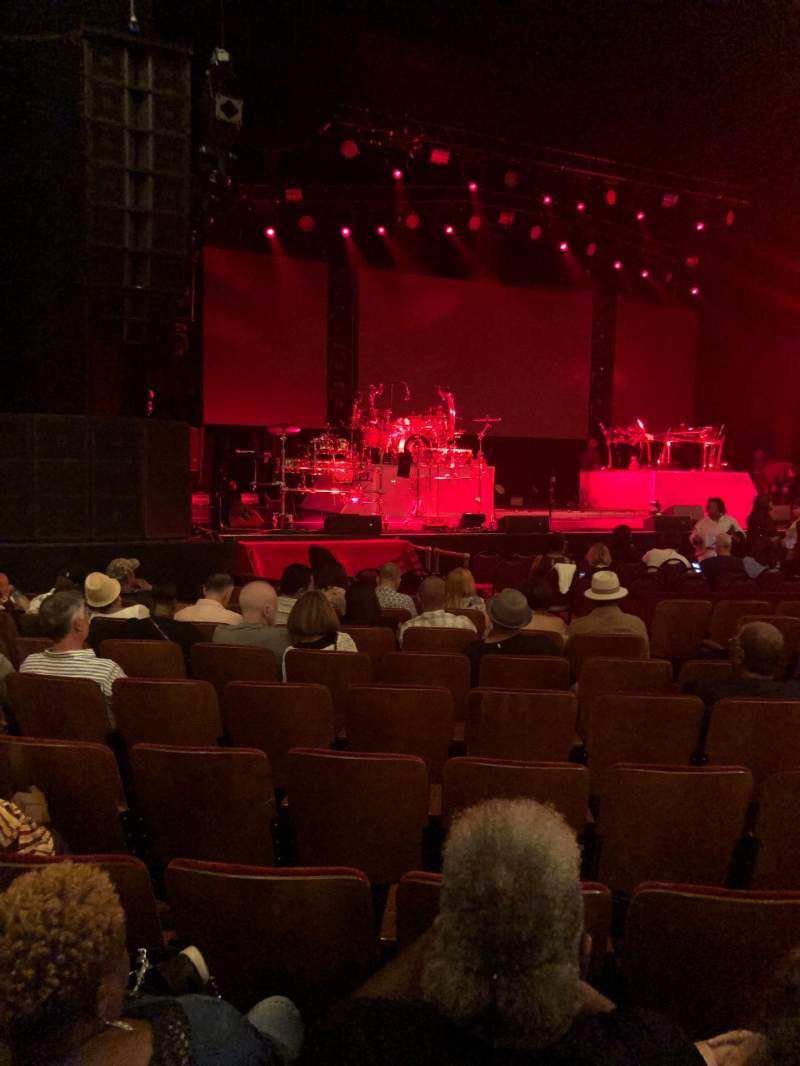 Seating view for Chicago Theatre Section MNFL3L Row KK Seat 317