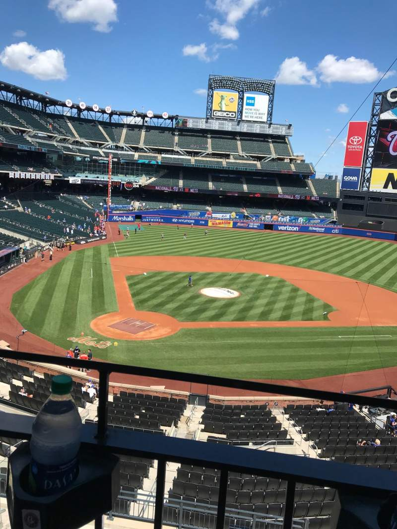 Seating view for Citi Field Section 315 Row 1 Seat 2