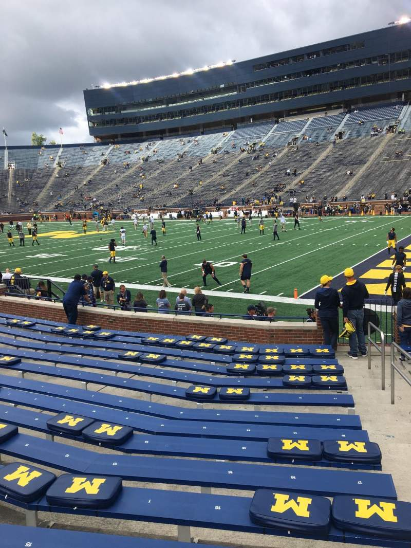 Seating view for Michigan Stadium Section 40 Row 14 Seat 20