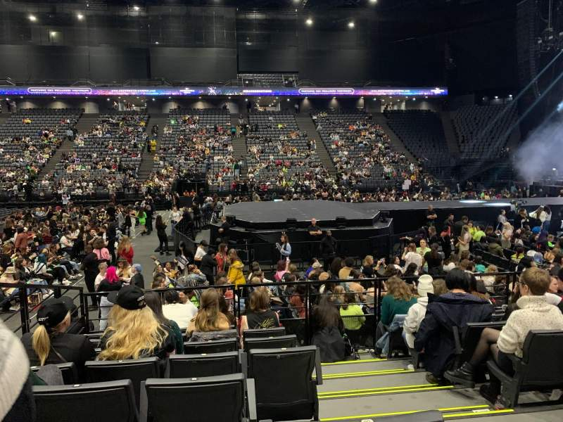 Seating view for AccorHotels Arena Section F Row 21 Seat 7