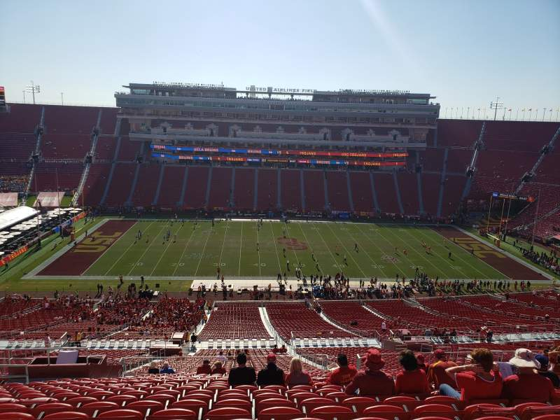 Seating view for Los Angeles Memorial Coliseum Section 322 Row 22 Seat 31