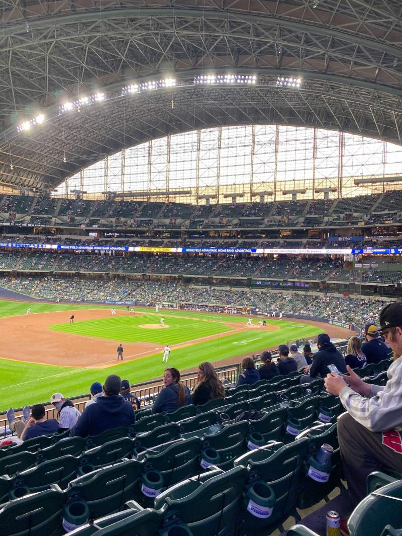 Seating view for American Family Field Section 228 Row 8 Seat 20