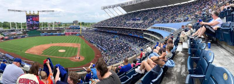 Seating view for Kauffman Stadium Section 415 Row E Seat 4