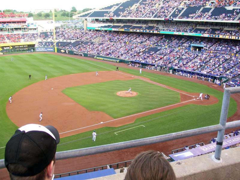 Seating view for Kauffman Stadium Section 408 Row B Seat 5