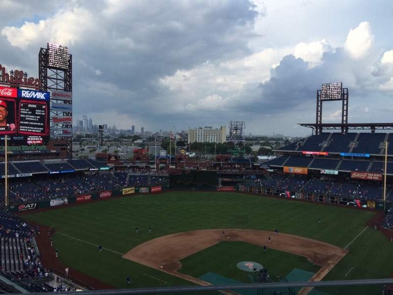 Seating view for Citizens Bank Park Section 422 Row 1 Seat 17