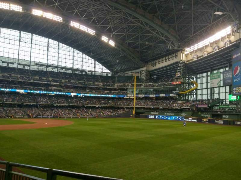 Seating view for Miller Park Section 106 Row 26 Seat 15