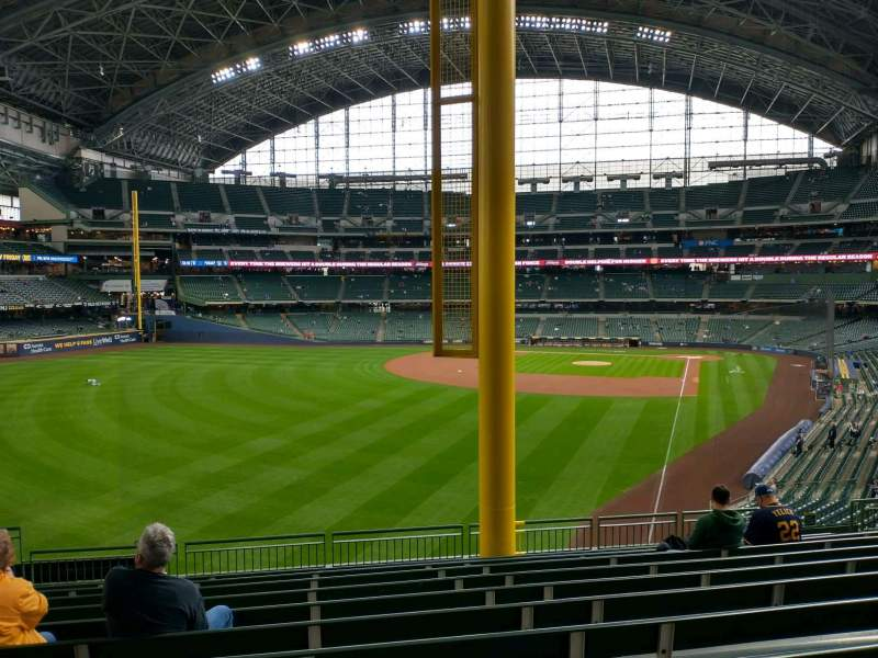 Seating view for American Family Field Section 233 Row 11 Seat 14