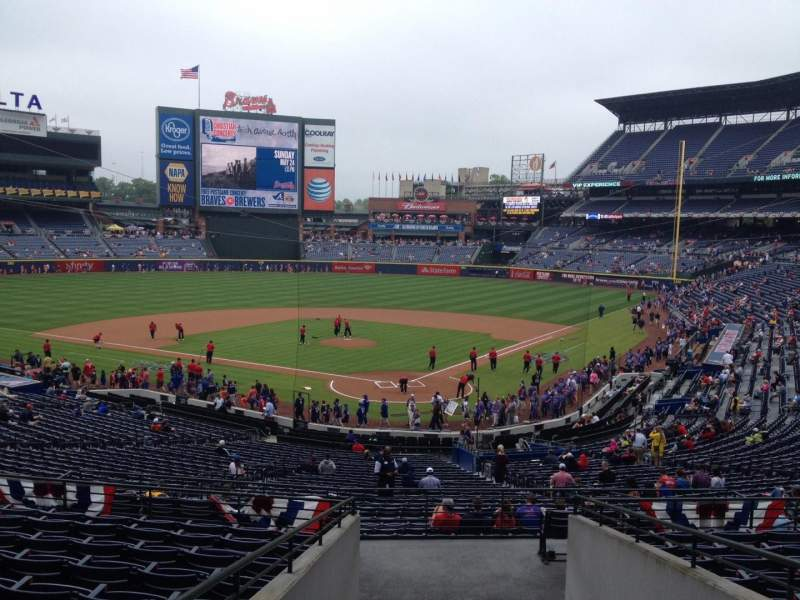 Seating view for Turner Field Section 202 Row 11 Seat 114