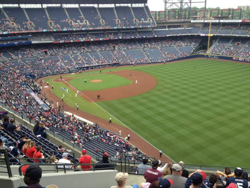 Seating view for Turner Field Section 425 Row 13 Seat 109