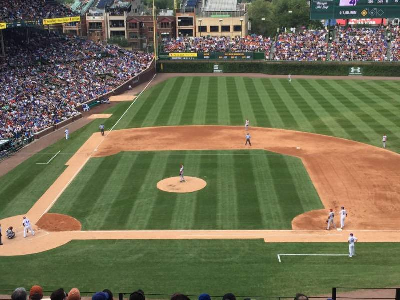 Seating view for Wrigley Field Section 323R Row 10 Seat 18