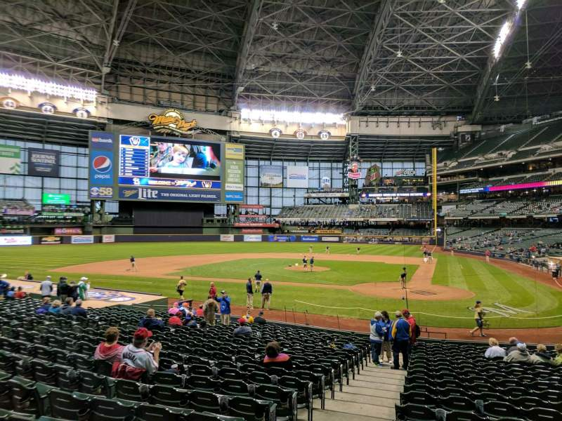 Seating view for Miller Park Section 119 Row 21 Seat 24