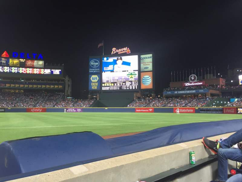 Seating view for Turner Field Section 17r Row 2 Seat 2