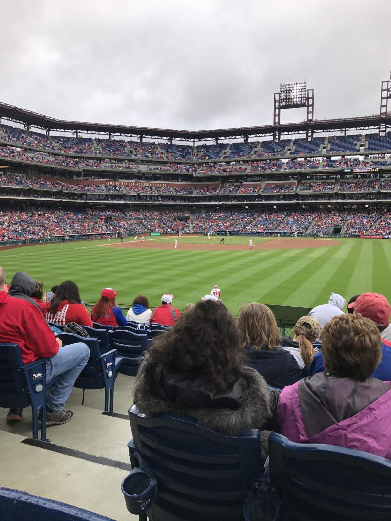 Citizens Bank Park, section: 102, row: 9, seat: 19