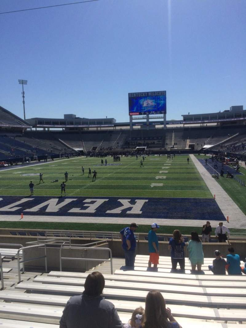 Seating view for Commonwealth Stadium Section 18 Row 17 Seat 8