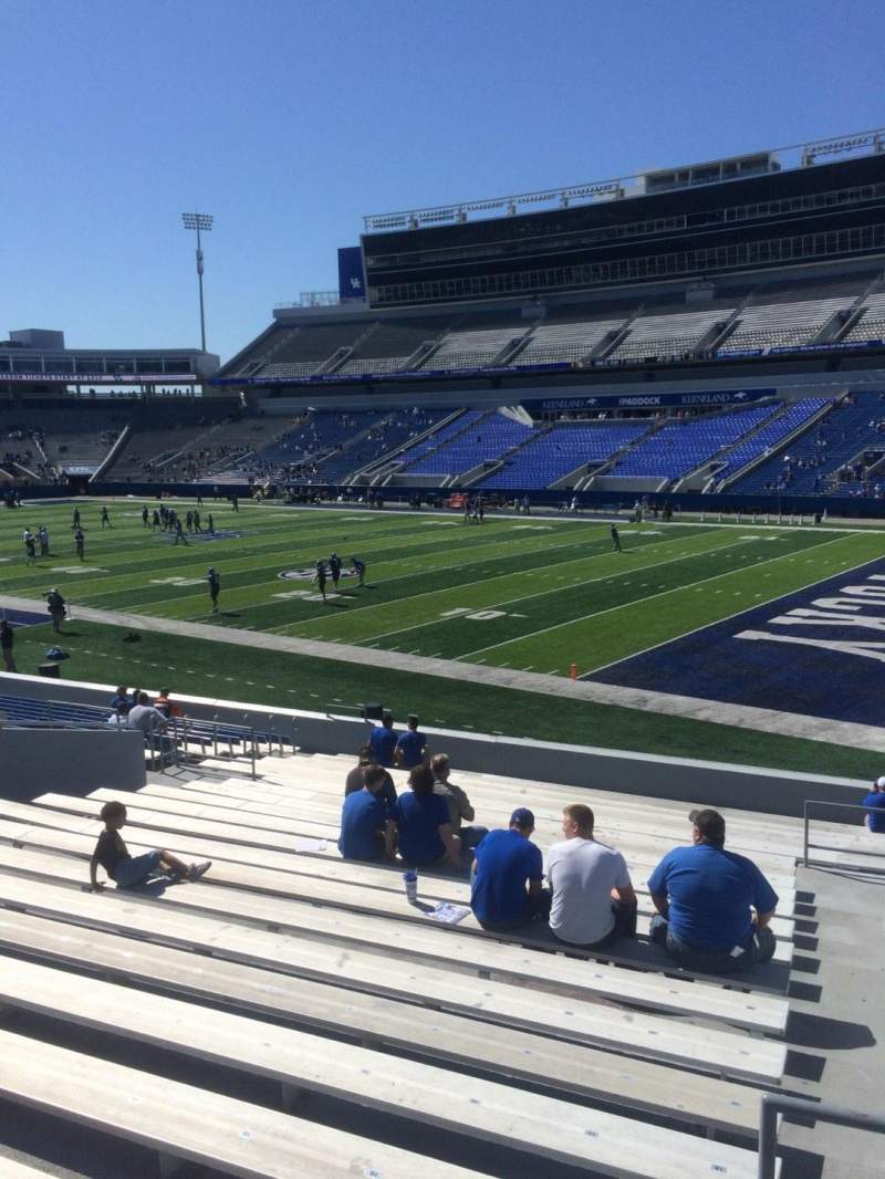 Seating view for Commonwealth Stadium Section 10 Row 23 Seat 23
