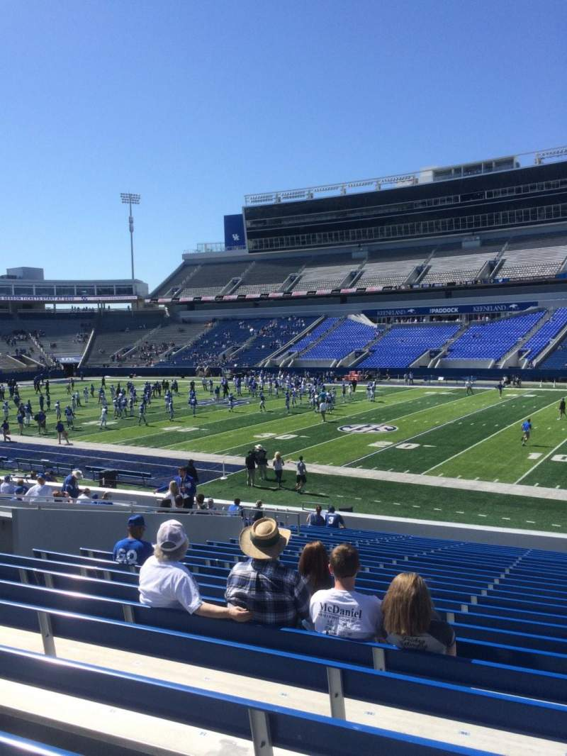 Seating view for Commonwealth Stadium Section 9 Row 23 Seat 17