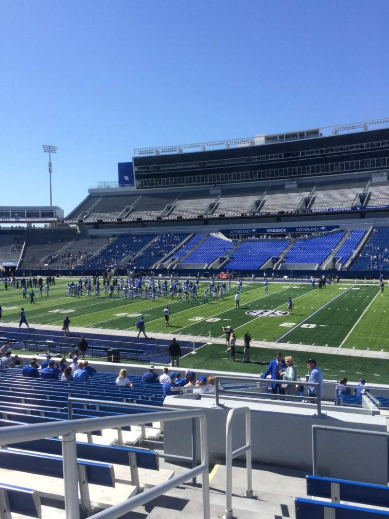 Seating view for Commonwealth Stadium Section 9 Row 25 Seat 1