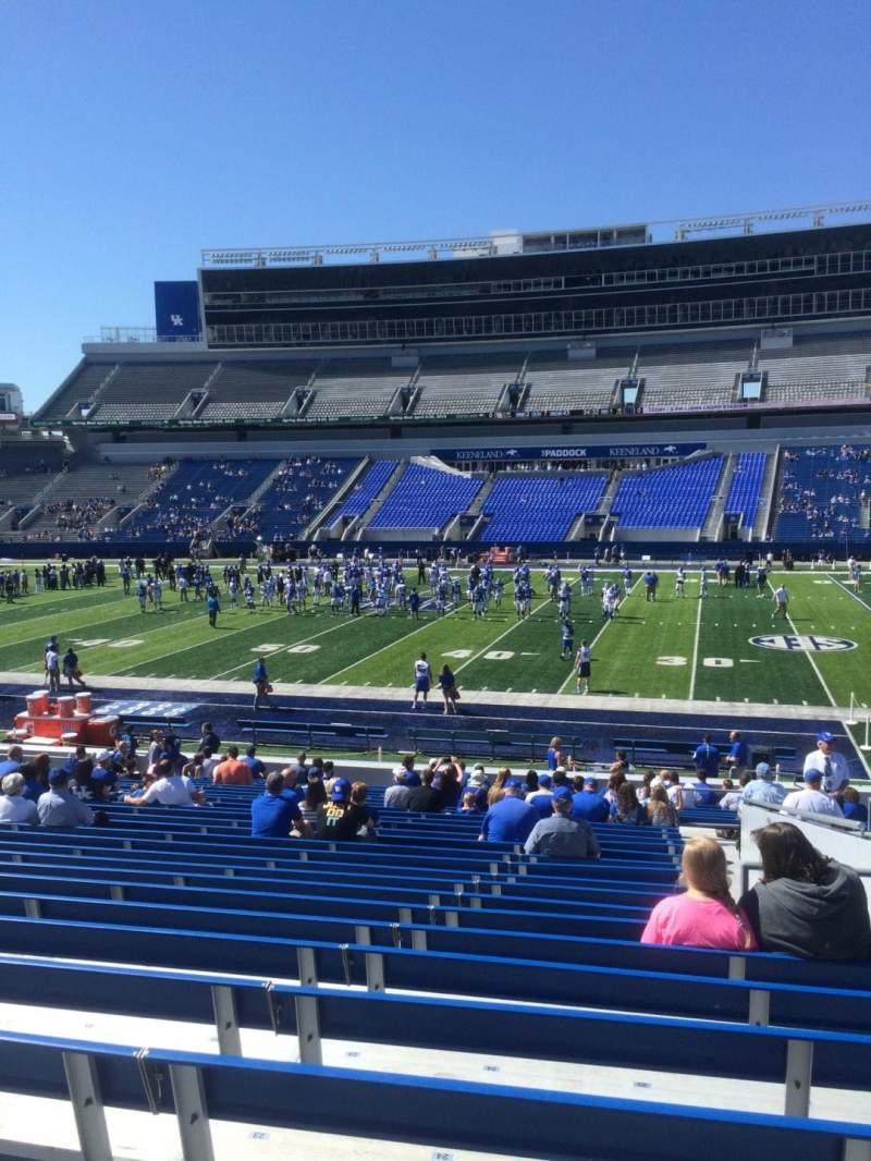 Seating view for Commonwealth Stadium Section 7 Row 26 Seat 25