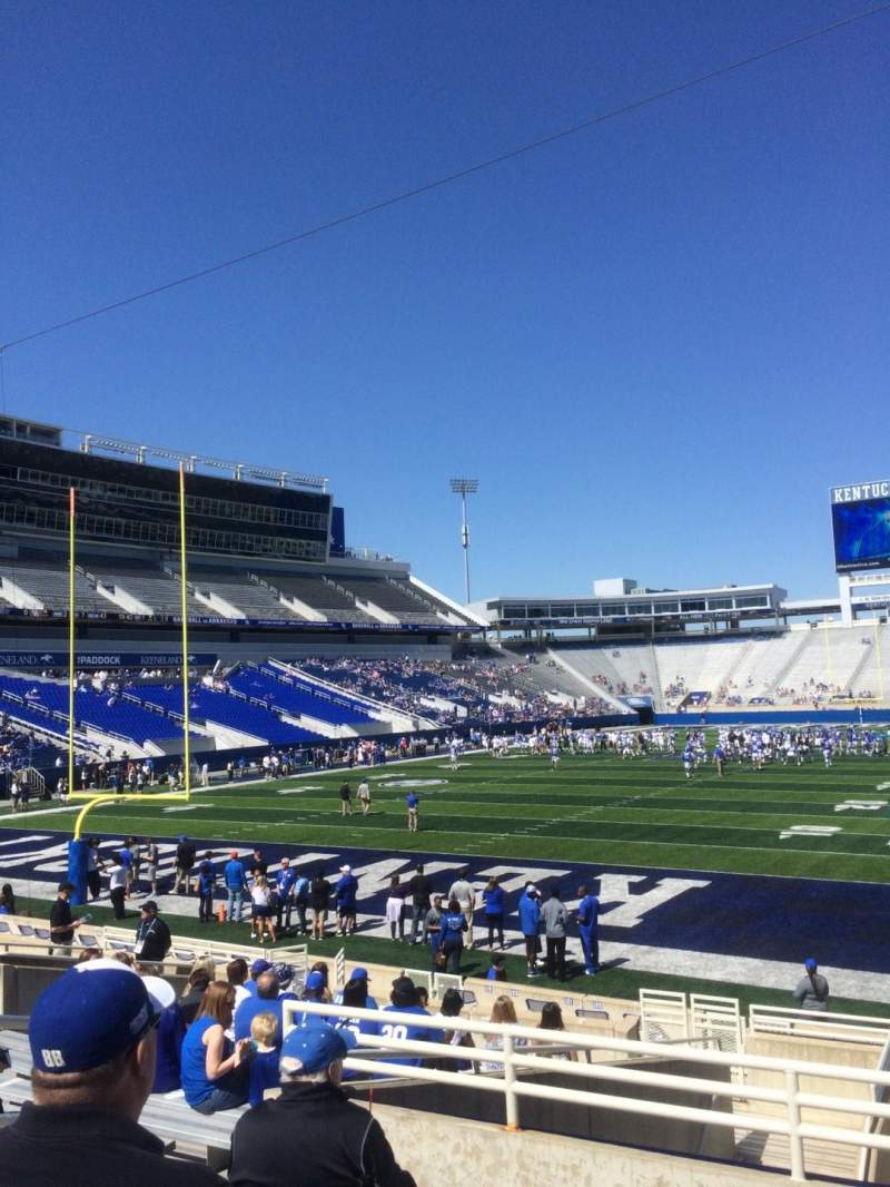 Seating view for Commonwealth Stadium Section 39 Row 15 Seat 7