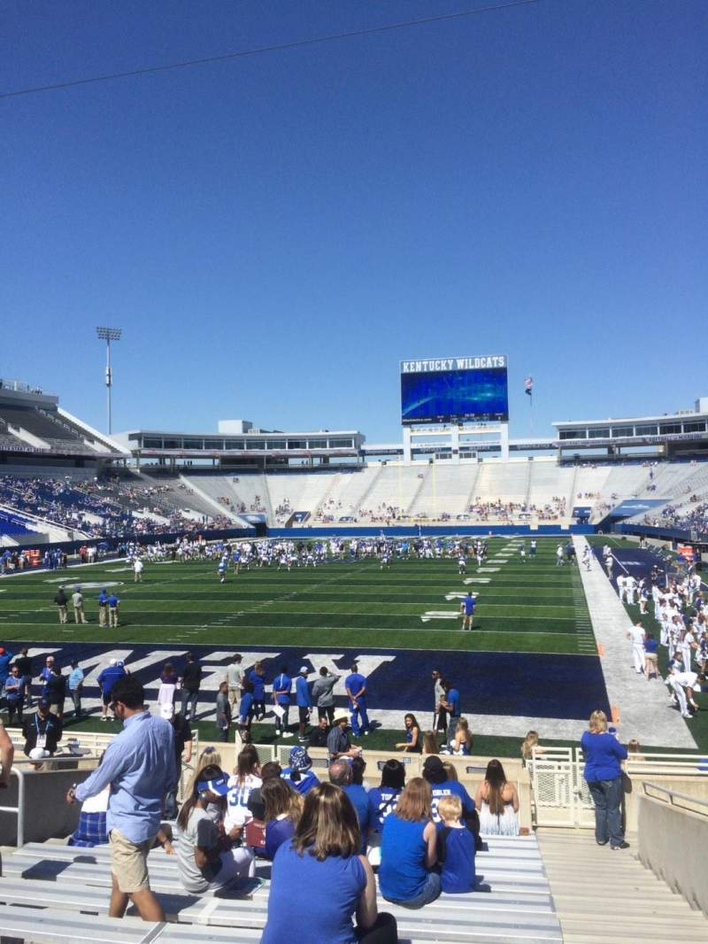 Seating view for Commonwealth Stadium Section 38 Row 15 Seat 14