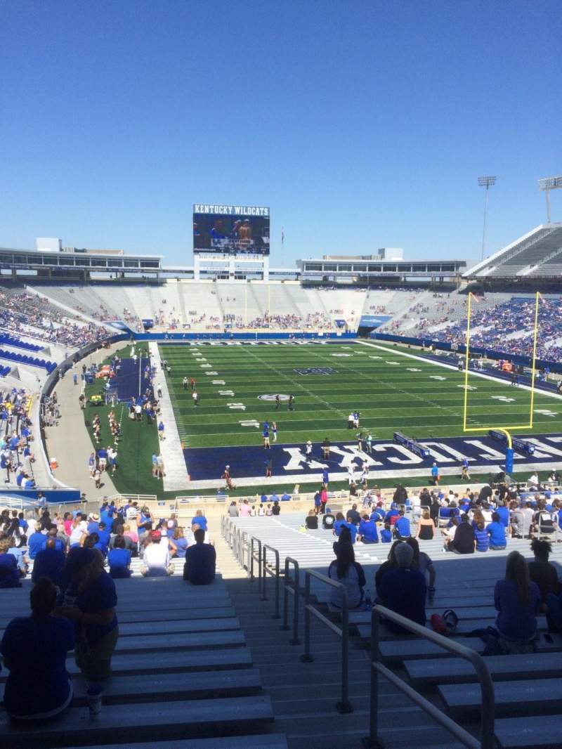 Seating view for Commonwealth Stadium Section 33 Row 45 Seat 35