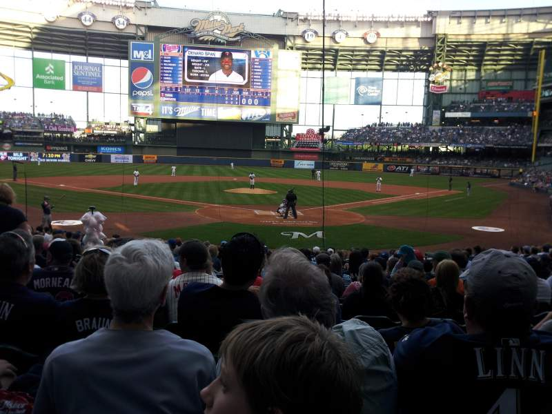 Seating view for Miller Park Section 118 Row 18 Seat 11