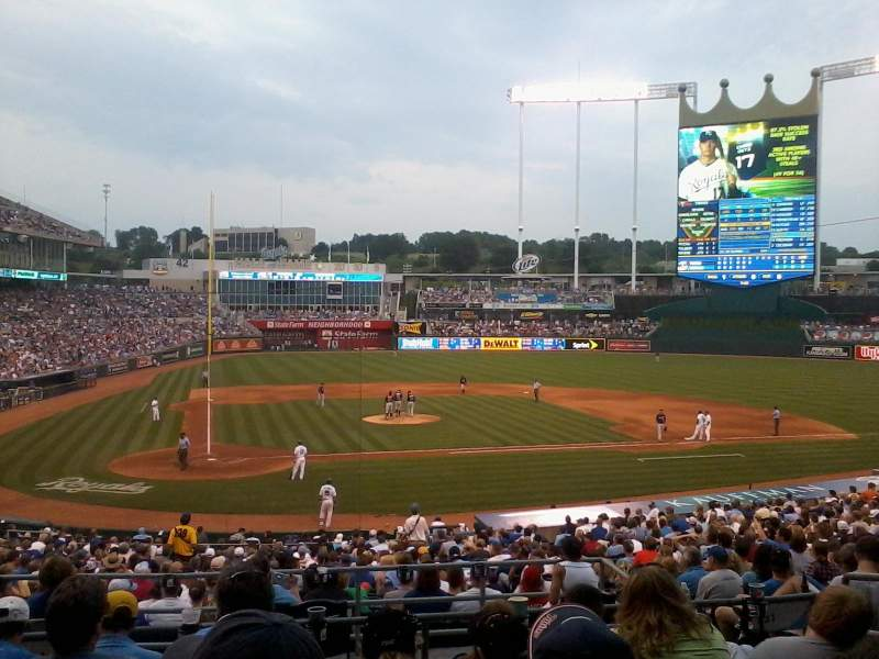 Seating view for Kauffman Stadium Section 231 Row FF Seat 3