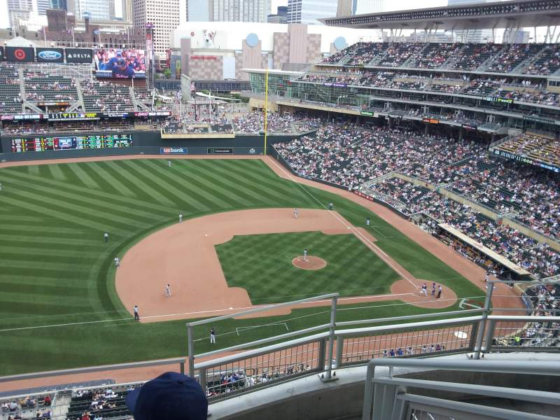 Seating view for Target Field Section 322 Row 4 Seat 1