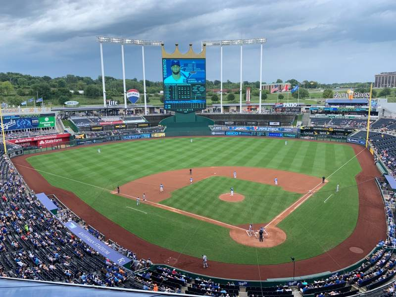 Seating view for Kauffman Stadium Section 418 Row H Seat 5