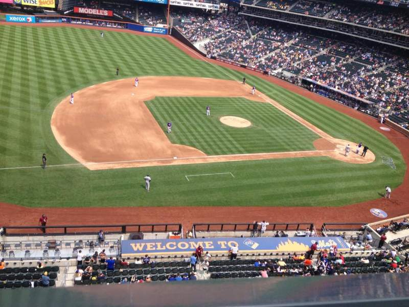 Seating view for Citi Field Section 423 Row 1 Seat 4