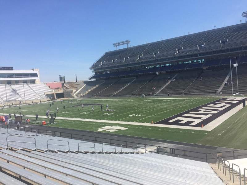 Seating view for Bill Snyder Family Stadium Section 9 Row 25 Seat 25