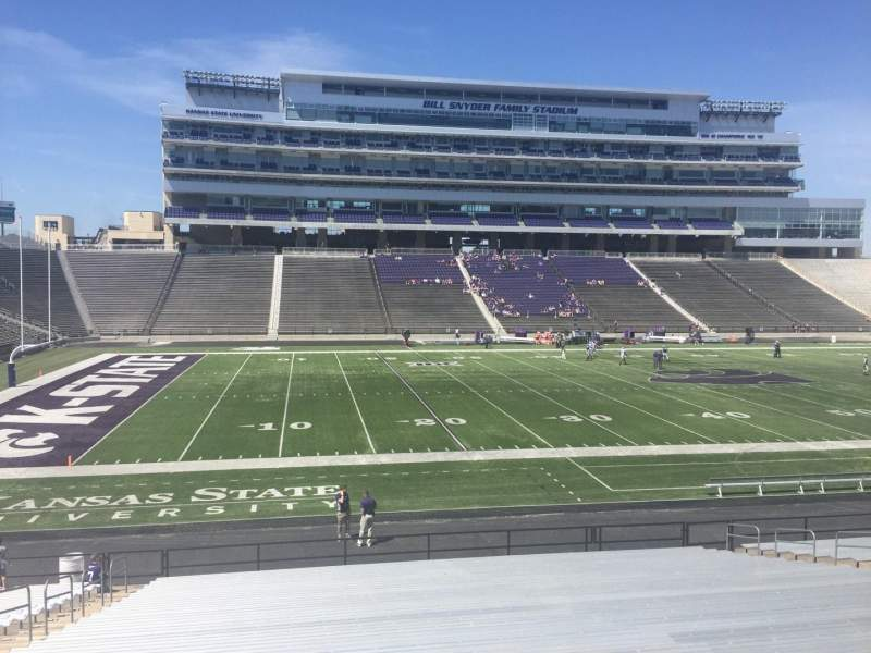 Seating view for Bill Snyder Family Stadium Section 22 Row 28 Seat 25