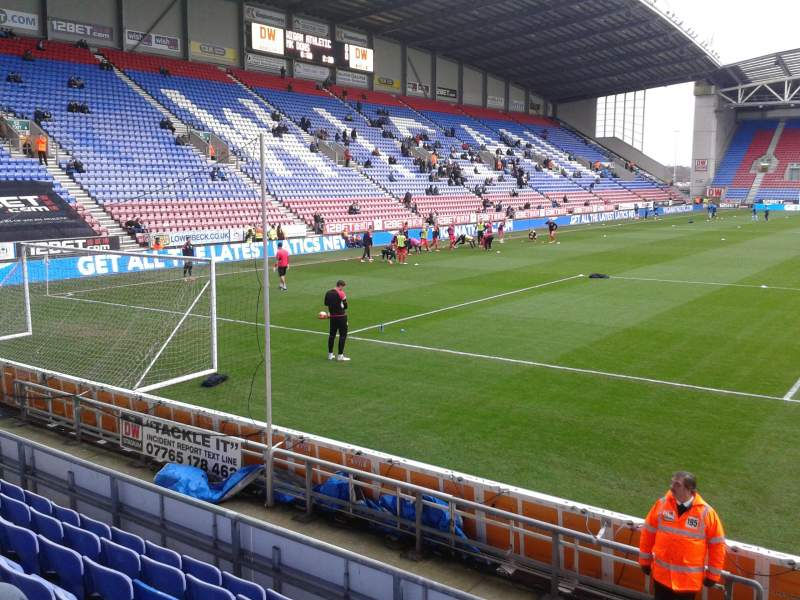 DW Stadium, Section North Stand, Accueil De Wigan Athletic