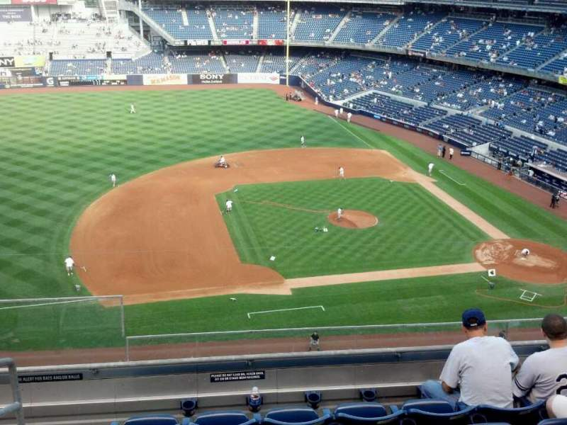 Seating view for Yankee Stadium Section 325 Row 6 Seat 21