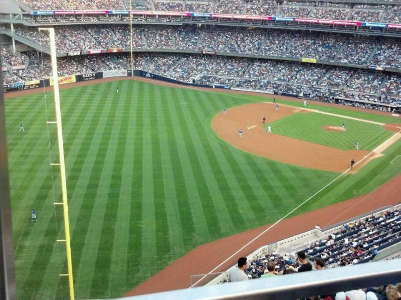 Seating view for Yankee Stadium Section 431b Row 1 Seat 18