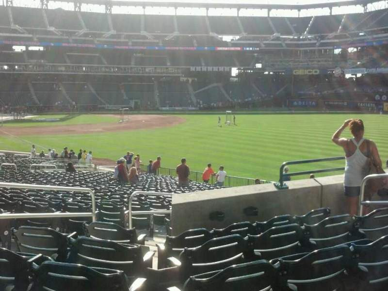 Seating view for Citi Field Section 105 Row 31 Seat 6
