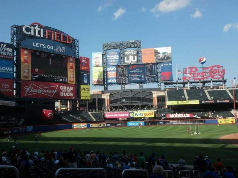 Seating view for Citi Field Section 125 Row 21 Seat 15