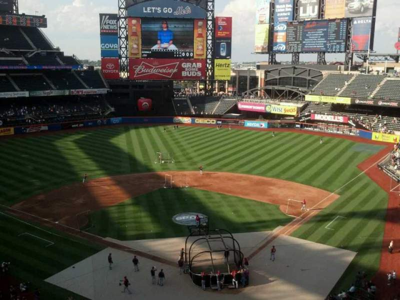 Seating view for Citi Field Section 416 Row 3 Seat 3