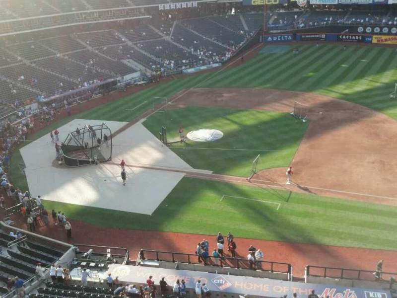 Seating view for Citi Field Section 407 Row 1 Seat 12