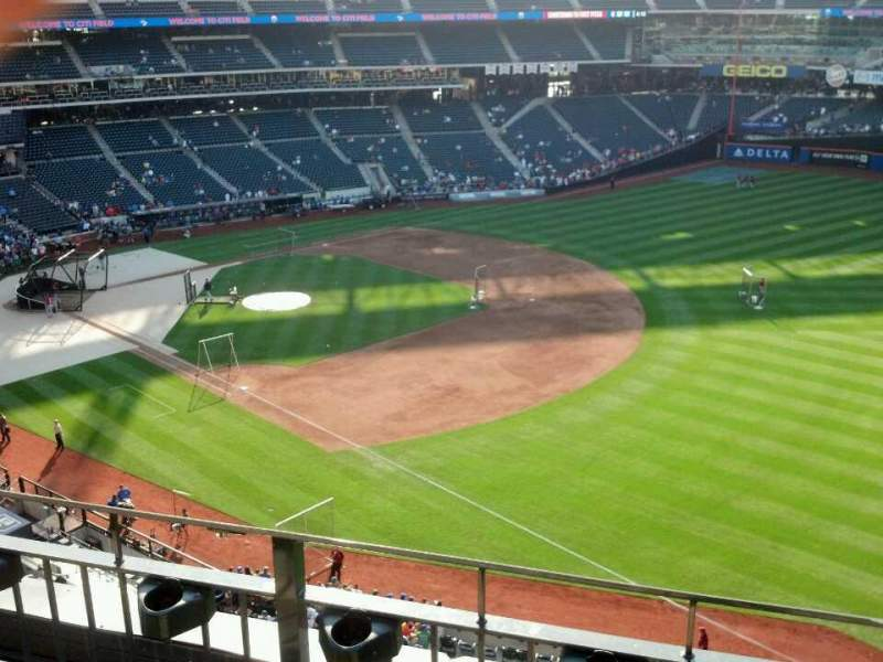 Seating view for Citi Field Section 403 Row 3 Seat 17
