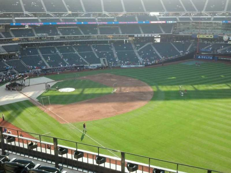 Seating view for Citi Field Section 402 Row 5 Seat 17