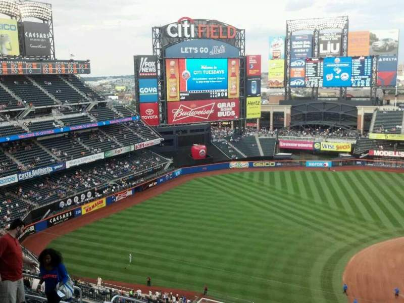 Seating view for Citi Field Section 522 Row 14 Seat 14