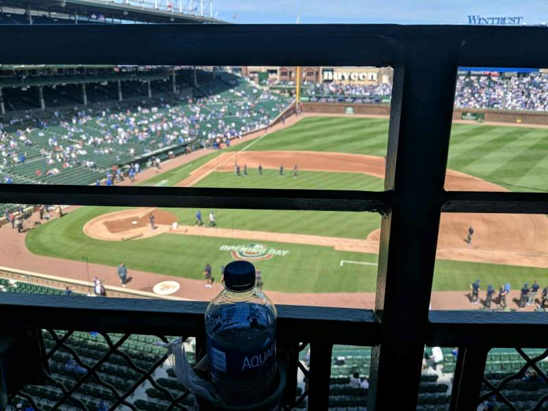 Seating view for Wrigley Field Section 324R Row 1 Seat 7