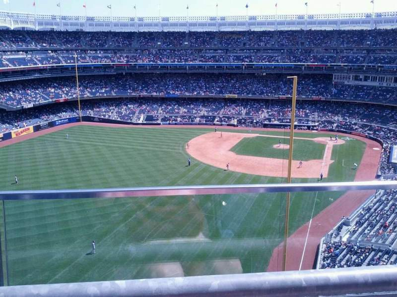 Seating view for Yankee Stadium Section 433 Row 1 Seat 9