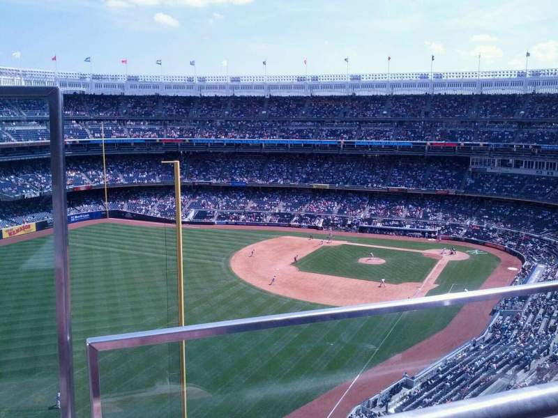 Seating view for Yankee Stadium Section 432a Row 1 Seat 18