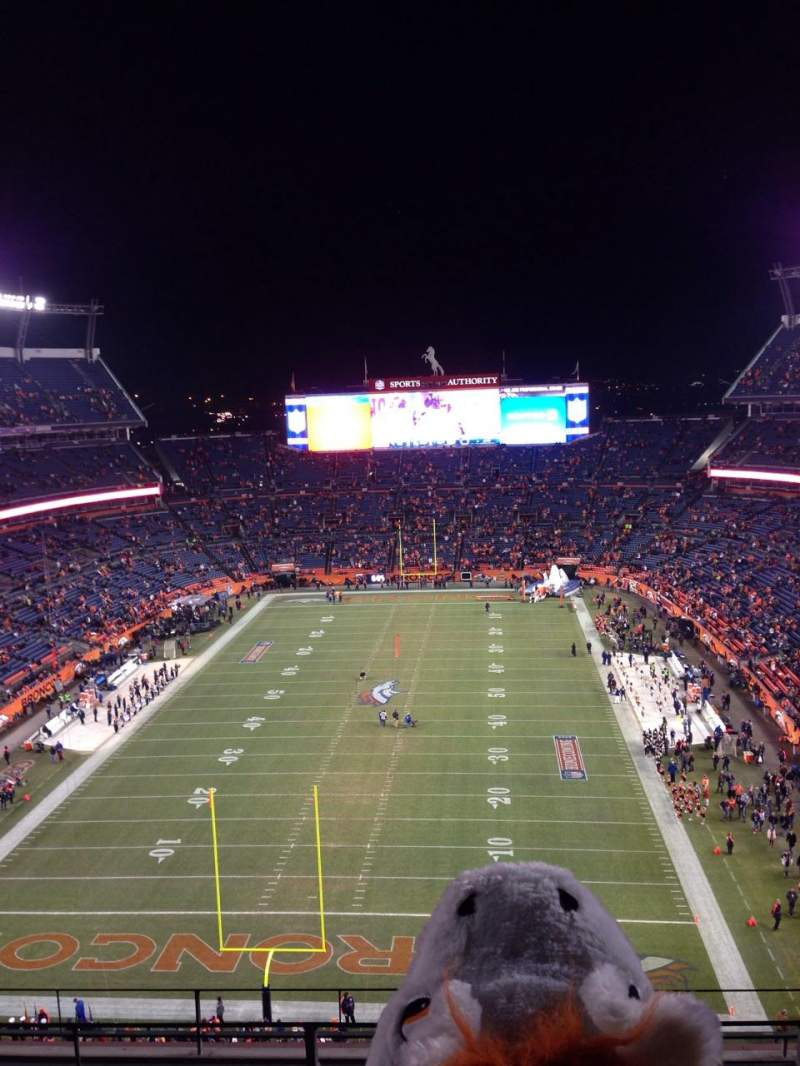 Seating view for Sports Authority Field at Mile High Section 520 Row 6 Seat 3