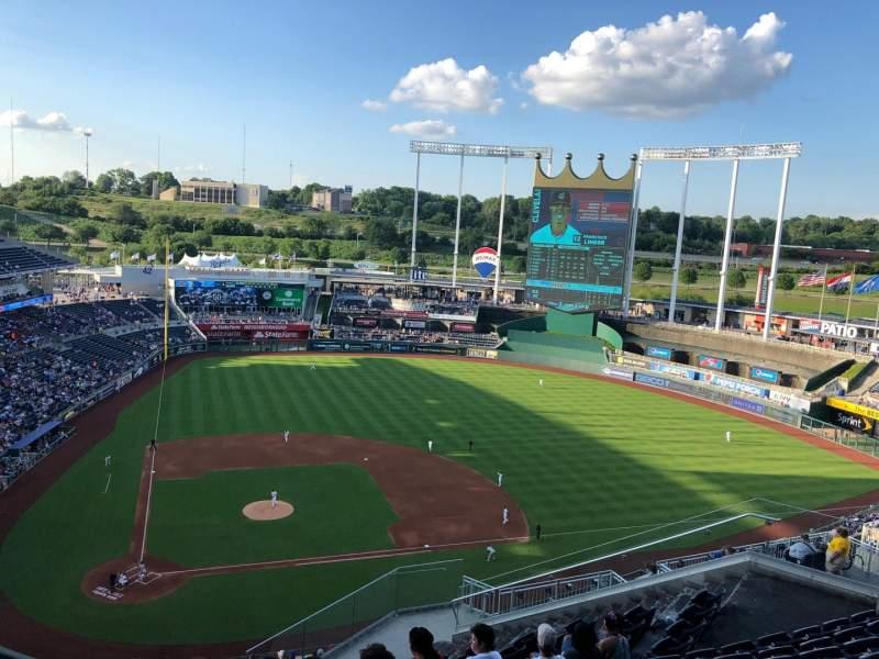 Kauffman Stadium, section: 427, row: JJ, seat: 5